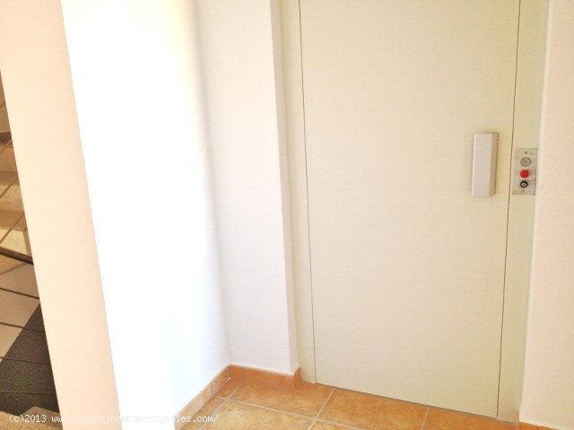 ea_009_aguamarina_townhouse_private_lift_to_privat