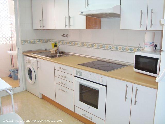 ea_05_2_bedroom_apartment_with_sea_views_132119030