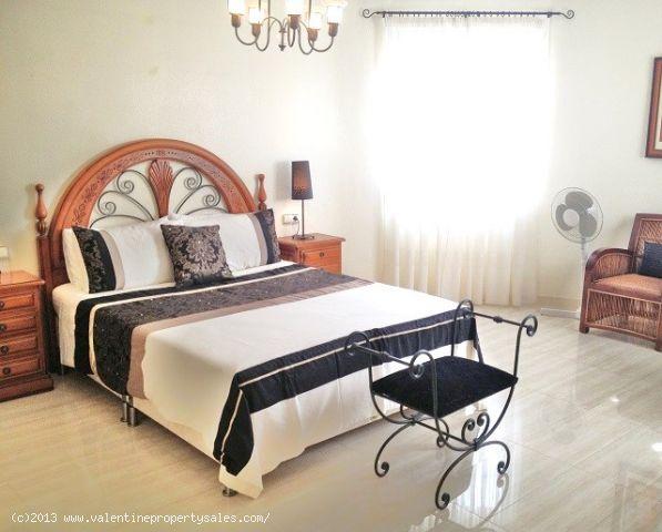 ea_05master_bedroom_and_ensuite_2jpg_138072262010