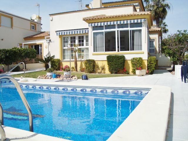 ea_10_model_brisas_montilla_playa_flamenca_1331306