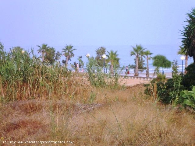ea_13_detached_playa_flamenca_beachside_front_line