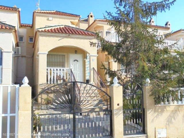 ea_3_bedroom_townhouse_for_sale_los_altos_2_148525