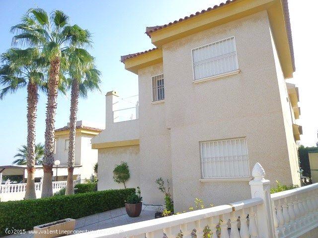 ea_detached_villa_for_sale_playa_flamenca_1jpg_144