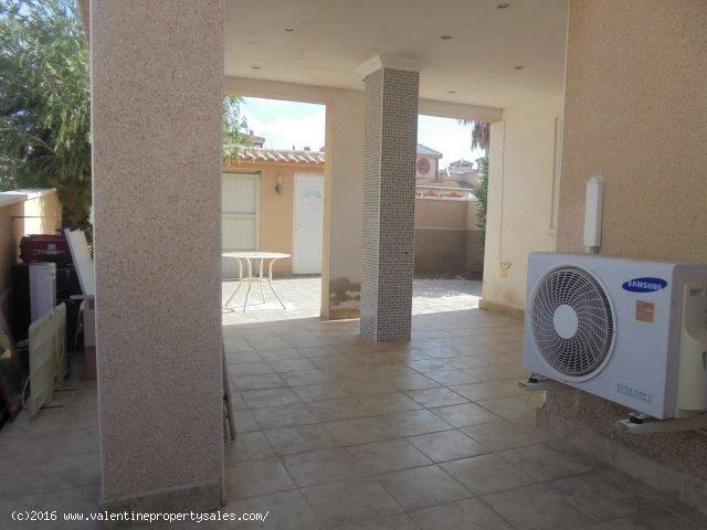ea_detached_villa_for_sale_playa_flamenca_27_14702
