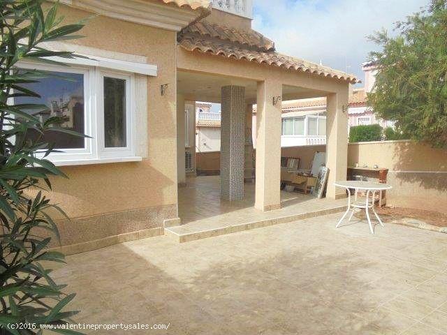 ea_detached_villa_for_sale_playa_flamenca_6_147024