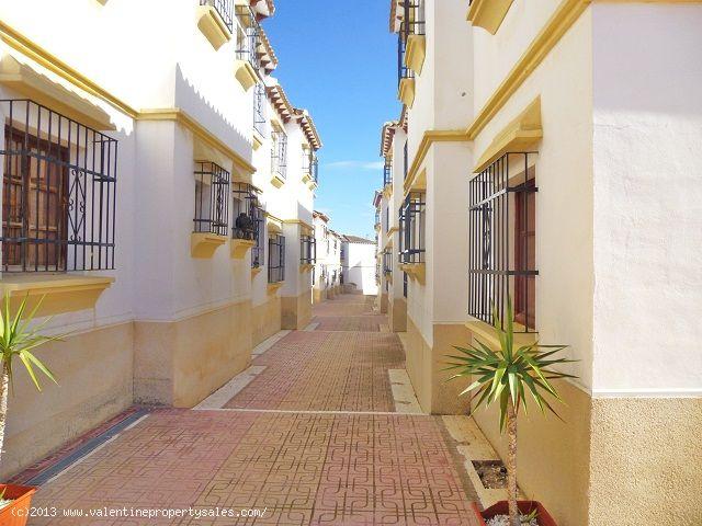 ea_el_mirador_ground_floor_street_facing_apt_denni