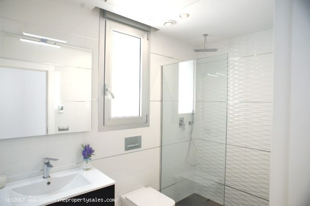 ea_la_siesta_sun_villa_t2bathrooms_2_15096377121