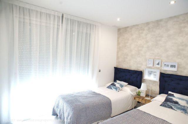 ea_la_siesta_sun_villa_t_bedrooms_1_15096377139