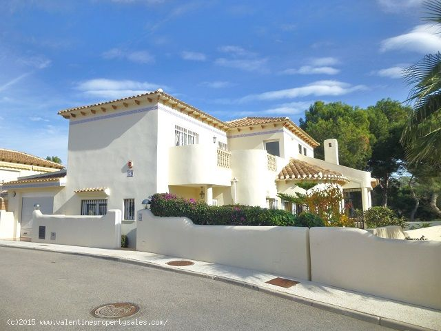 ea_las_ramblas_golf_villa_for_sale_3jpg_1451317301