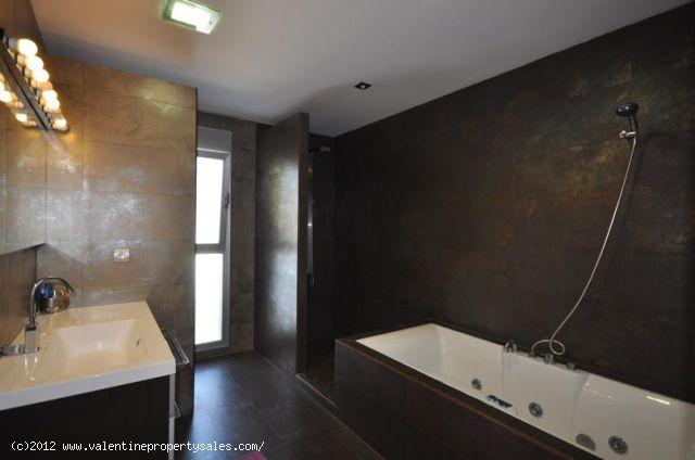 ea_luxuryvillacaboroiginterior_7_13521498033