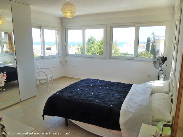 ea_playa_flamenca_beachside_villa_22jpg_1399570917