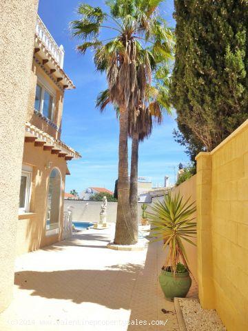 ea_playa_flamenca_beachside_villa_31jpg_1399570916