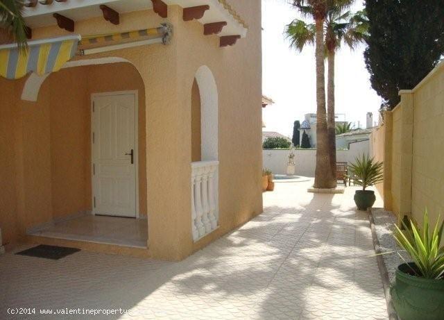 ea_playa_flamenca_beachside_villa_32_13995709165