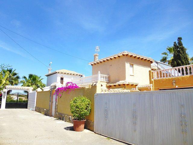 ea_playa_flamenca_beachside_villa_6jpg_13995712531