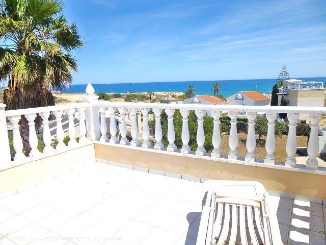 ea_playa_flamenca_beachside_villa_8jpg_13995712529