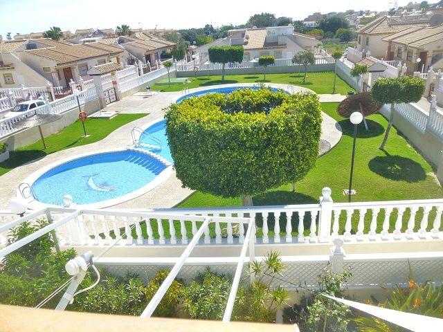 ea_south_facing_marbella_bungalow_for_sale_1jpg_14