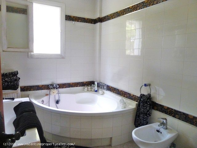 ea_villamartin_plaza_duplex_apartment_for_sale_14j
