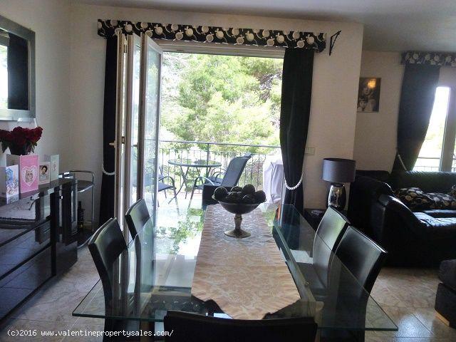 ea_villamartin_plaza_duplex_apartment_for_sale_7jp