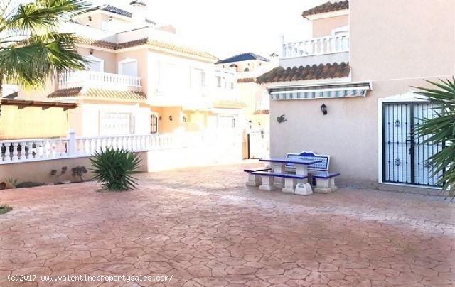 ea_vista_azul_corner_house_2jpg_148519537716