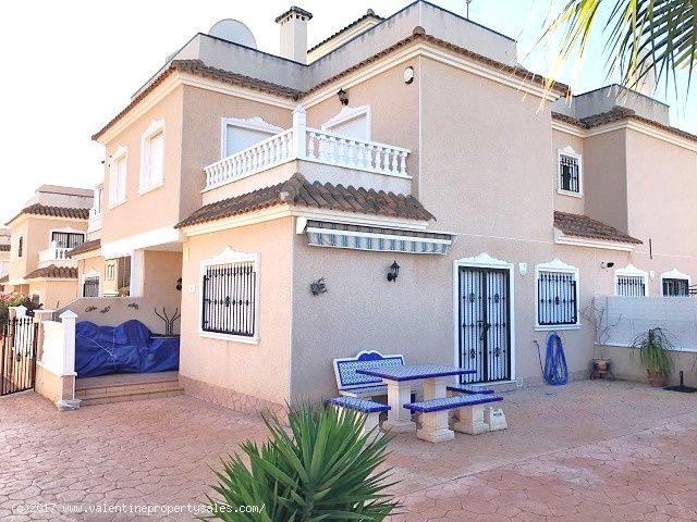 ea_vista_azul_corner_house_3jpg_148519537717
